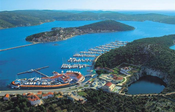Яхтинг в Хорватии - Голубая Лагуна.