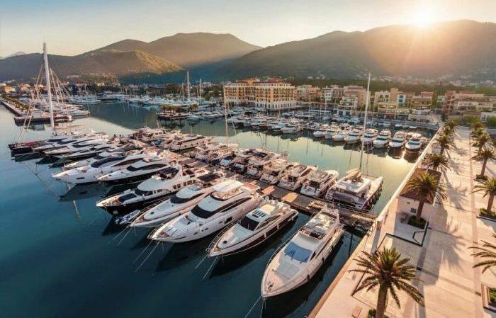 Яхтинг в Хорватии - город Милна.